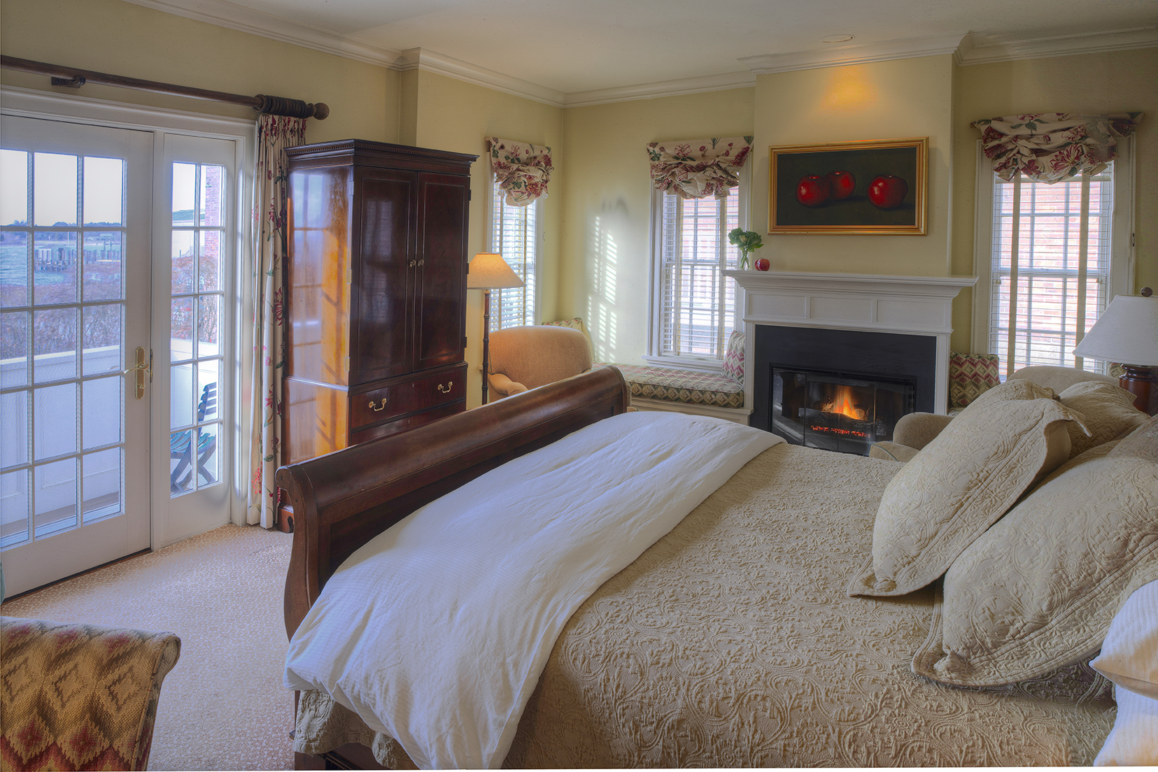 A lovely room for your romantic waterfront getaway